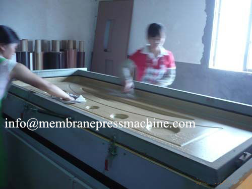 PVC/Veneer Surface Vacuum Membrane Press Machine With Double Working Tables
